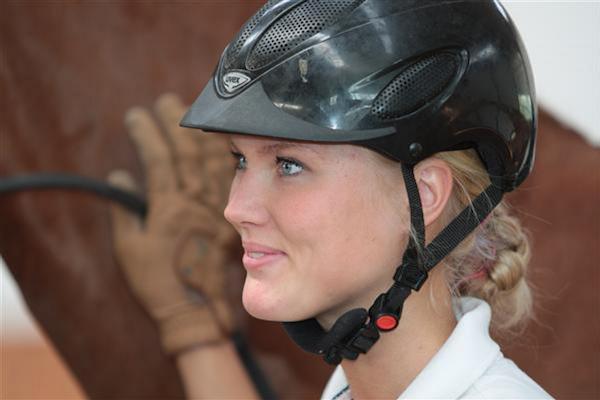 Emma Ahlberg lämnar Helgstrand Dressage