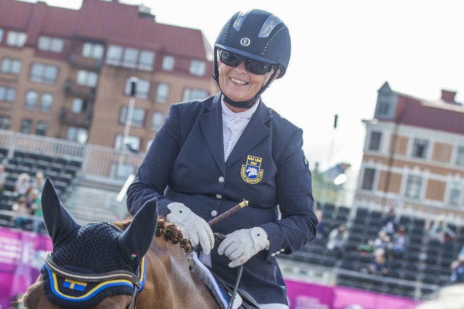 Louise stöttas i ny medaljsatsning