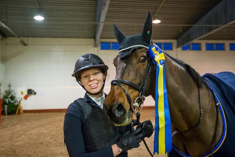 171210 Södertälje Wilma Marklund och Carlogero vann Young Rider-hoppningen med kval till Scandinavium 2018. Photo: Roland Thunholm Code: 718 35