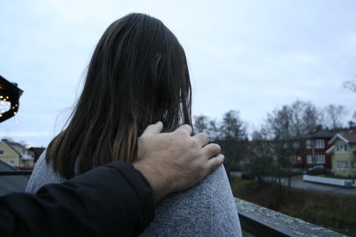 Svart tonåring Våldtäkts