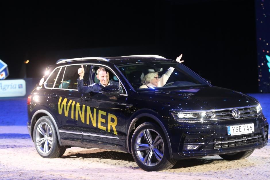 Tredje bilen gillt när Peder knockade alla konkurrenter