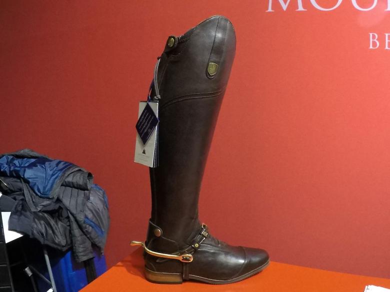 Den här modellen på ridstövel från Mountain Horse är egentligen inte ny, men i ett brunt läder i mer klassisk stil blir även den helt rätt i år.
