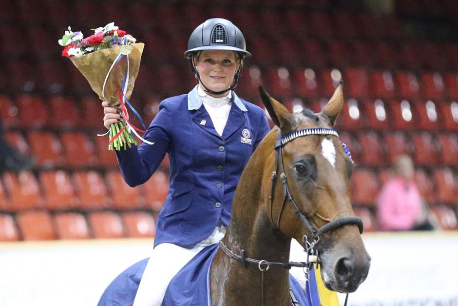 Stephanie Holmén lovordar Sparven efter segern