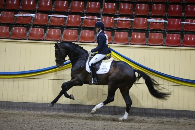 180304 Bergsjöholms Valbonne Emelie Brolin Roland Thunholm A74q0173