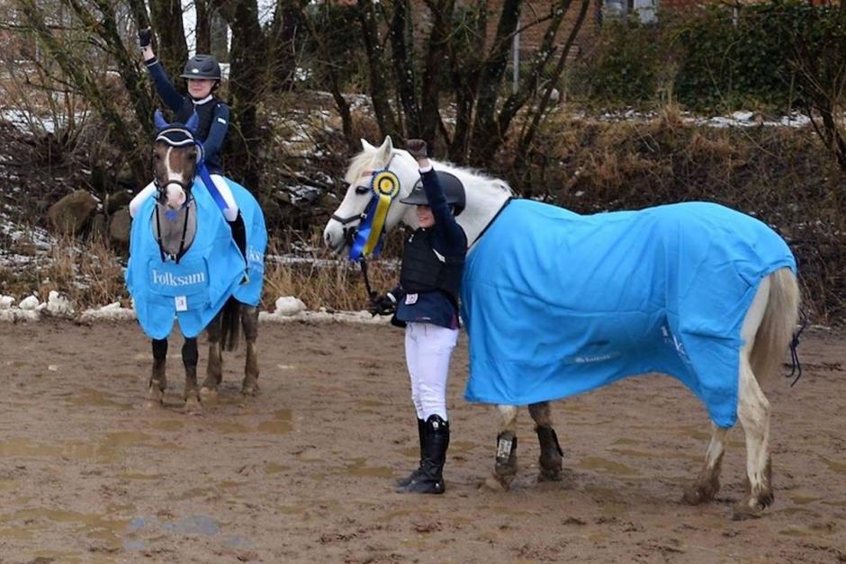 Premiär för ponnyhoppningens elitserie på flera platser