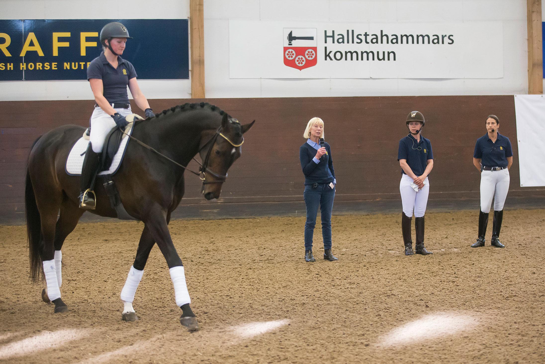 180508 Strömsholm Camilla Nyblom och Dusch de Niro red för Louise Nthhorst, Tinne Vilhlemson-Silfvén och Therese Nilshagen. Photo: Roland Thunholm Code: 718 35