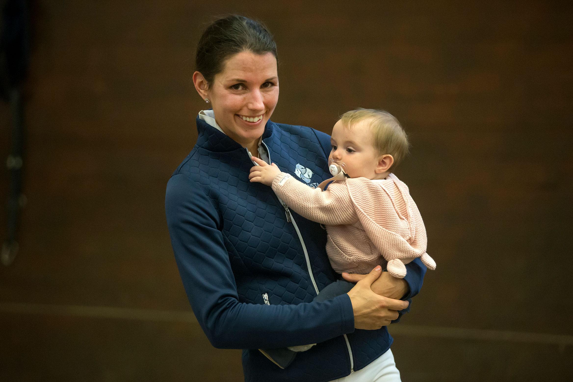 180508 Strömsholm Caroline Darcourt med barn. Photo: Roland Thunholm Code: 718 35