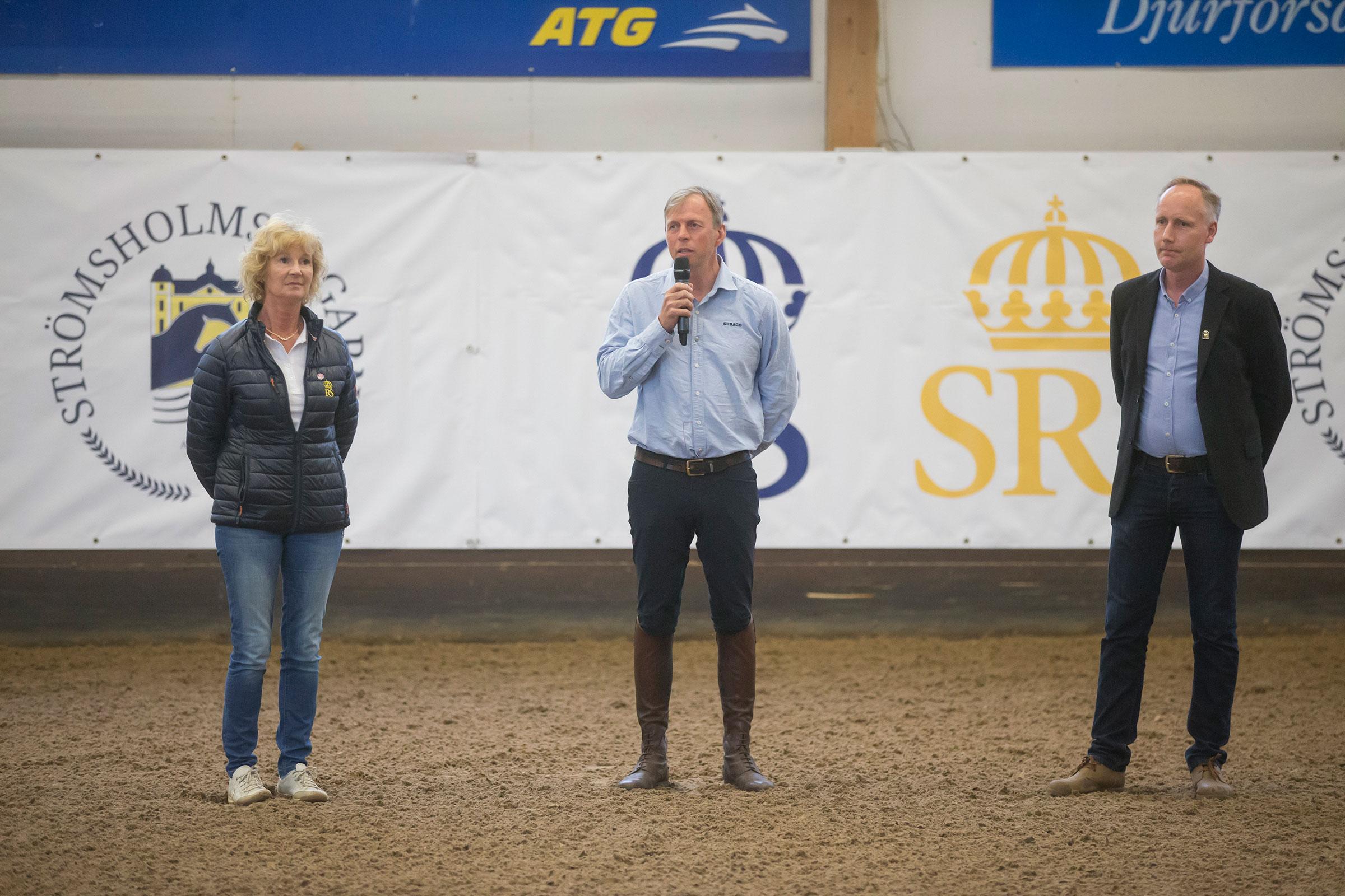 180508 Strömsholm Strömsholmpersonalen presenterade dressyr-clinicen, Marianne Essén, Jens Fredricson och Jonas Johnsson. Photo: Roland Thunholm Code: 718 35
