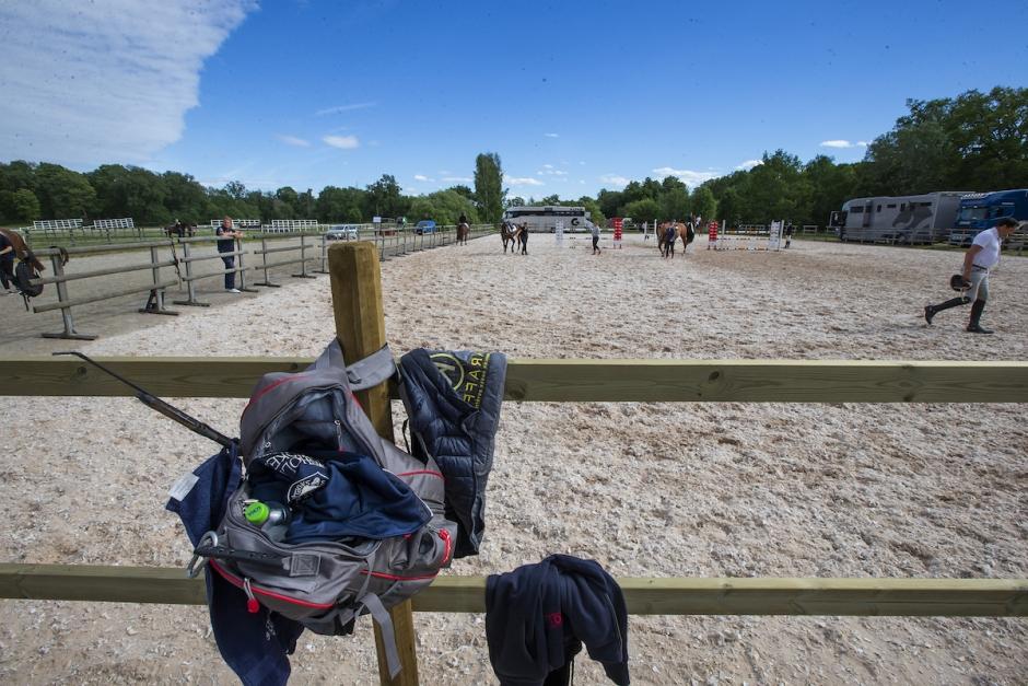 Ryttarpappa får böter efter att ha slagit häst