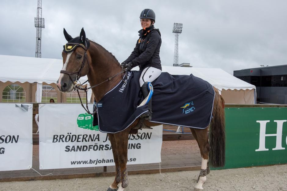 Linda Heed överlägsen 1,50-vinnare