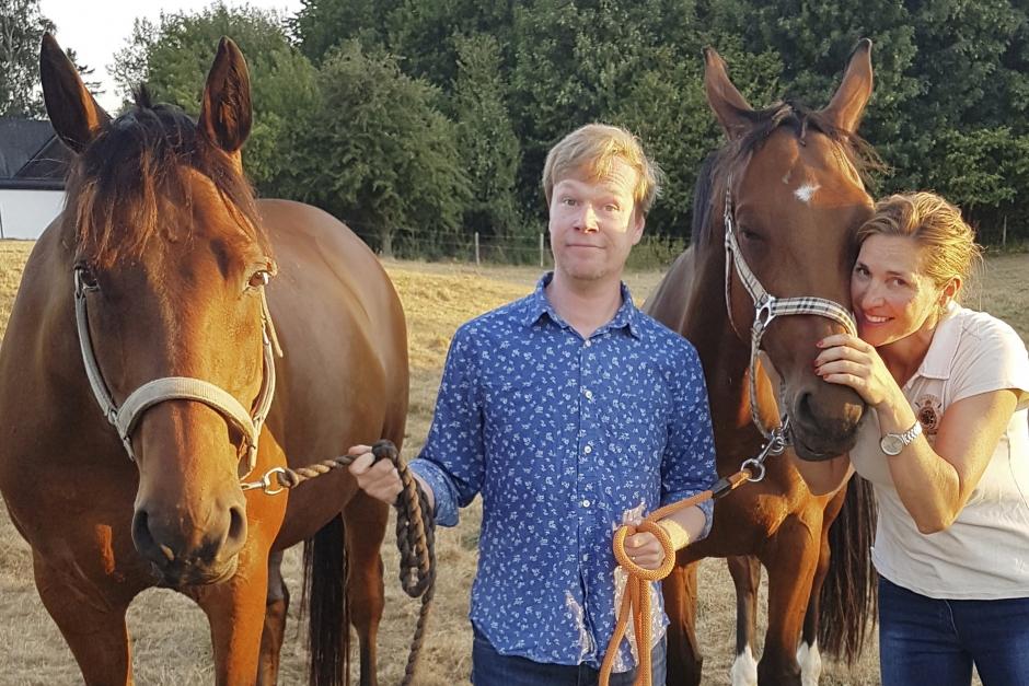 """Komikern: """"När vi träffades sa jag att det är hästarna framför allt"""""""