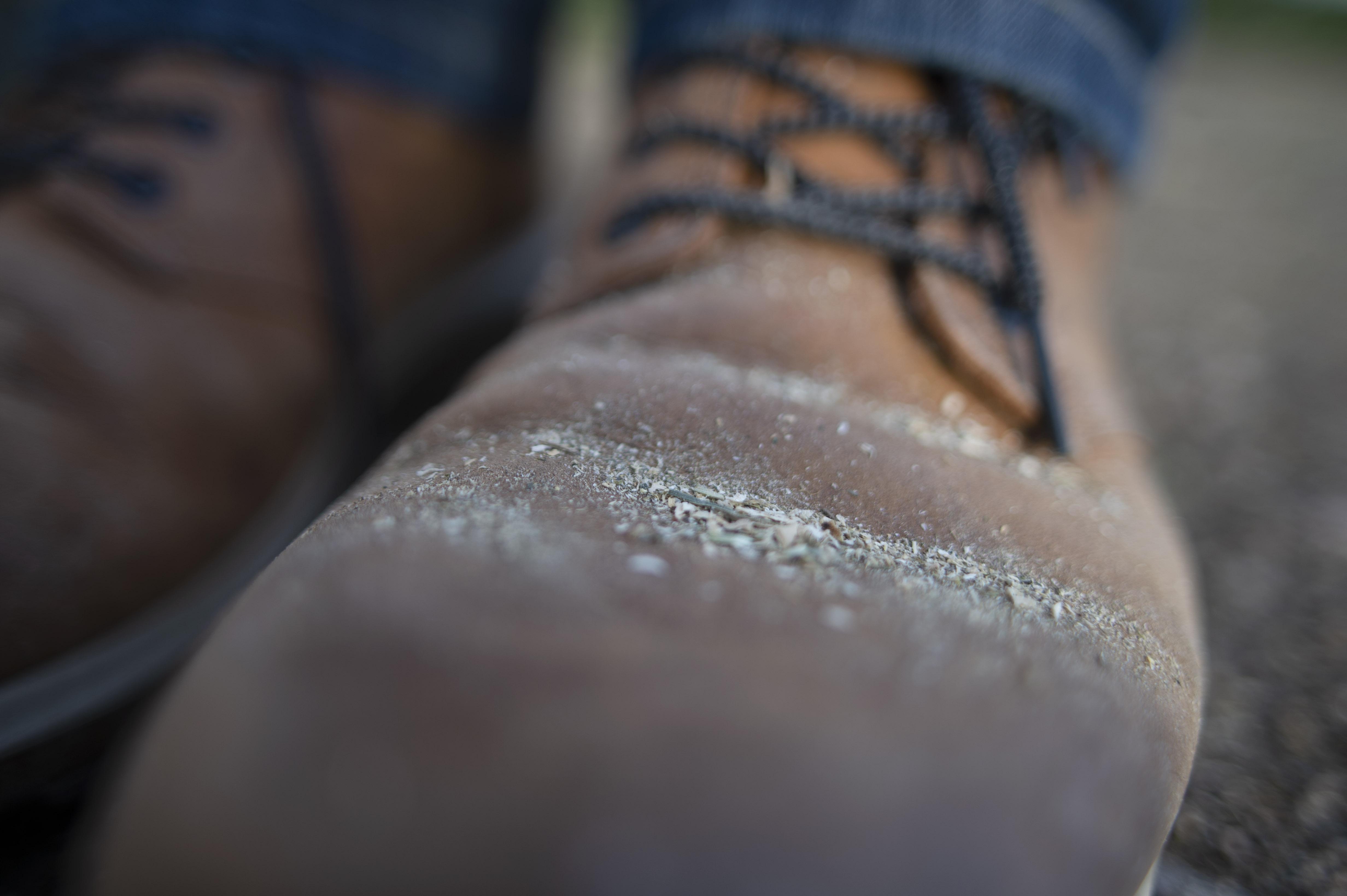 5f58592688f Om dina skor ser ut så här ett par gånger om dagen är du en ponnypappa.