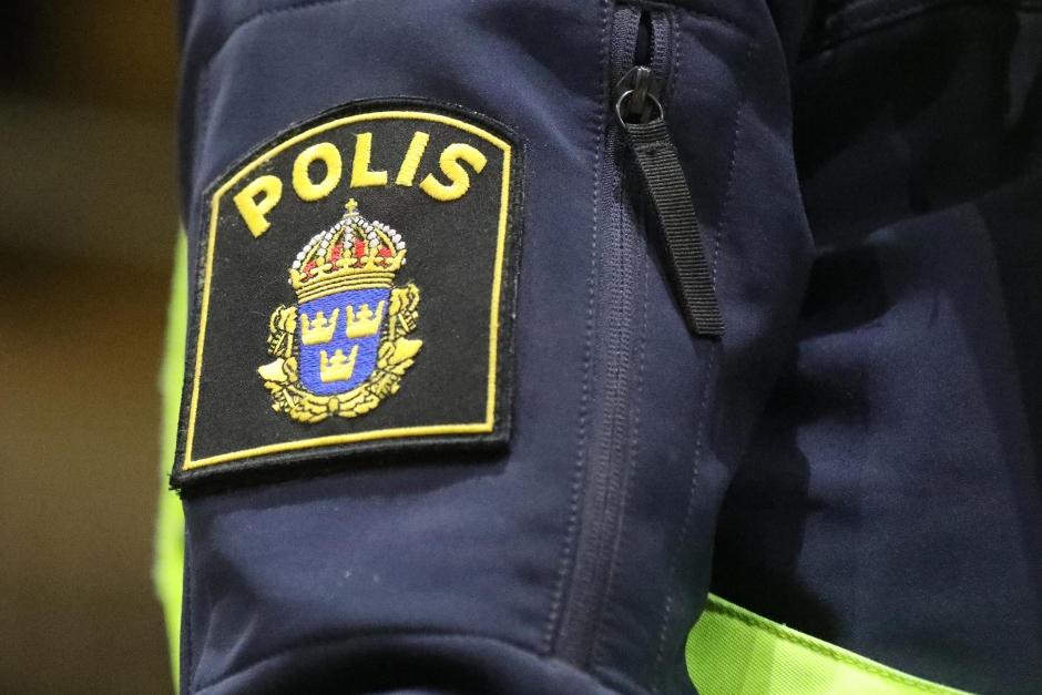 Fortsatt höjd bevakning kring Hageby Ridklubb efter stallbranden
