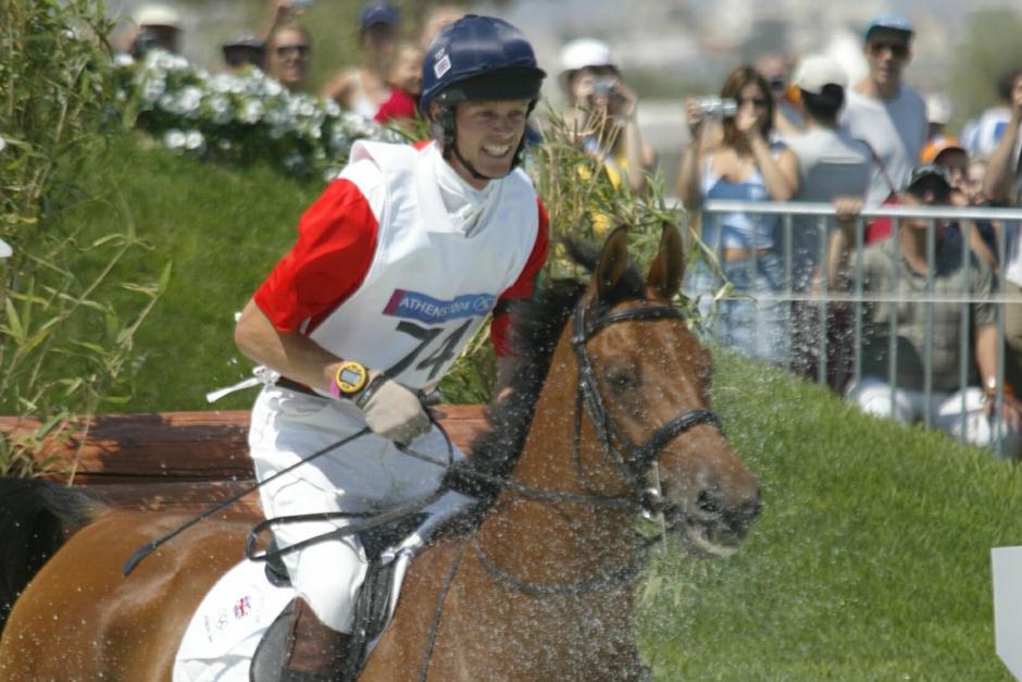 Fox-Pitt i sadeln på klonen av sin medaljhäst
