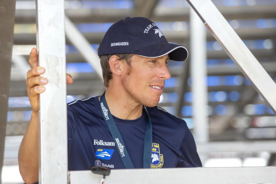 Svenskarna igång i Abu Dhabi: Henrik 1,45-trea