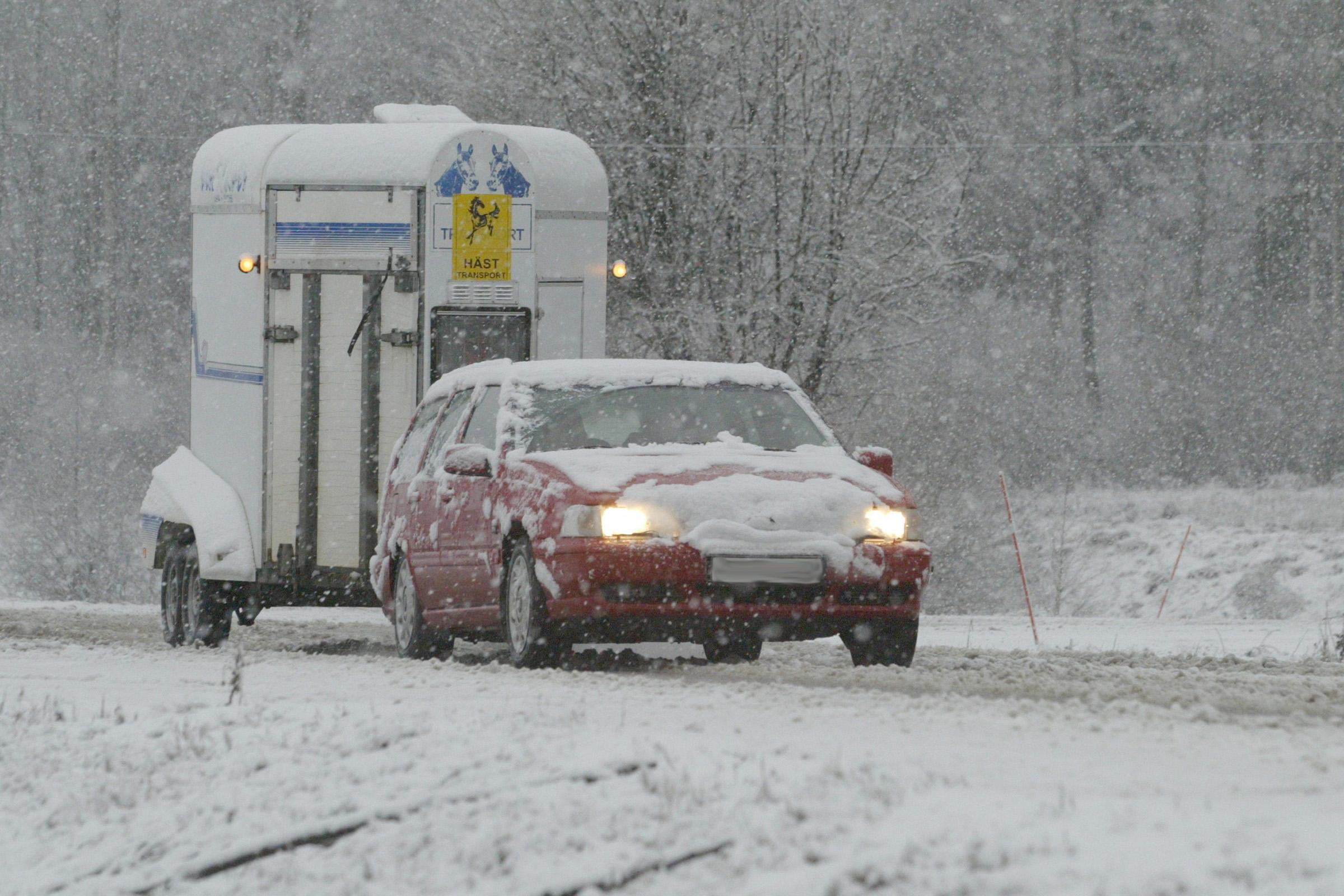 031123 VinterkörningFoto: Roland Thunholm Snö Vinter Trafik Bil Transport