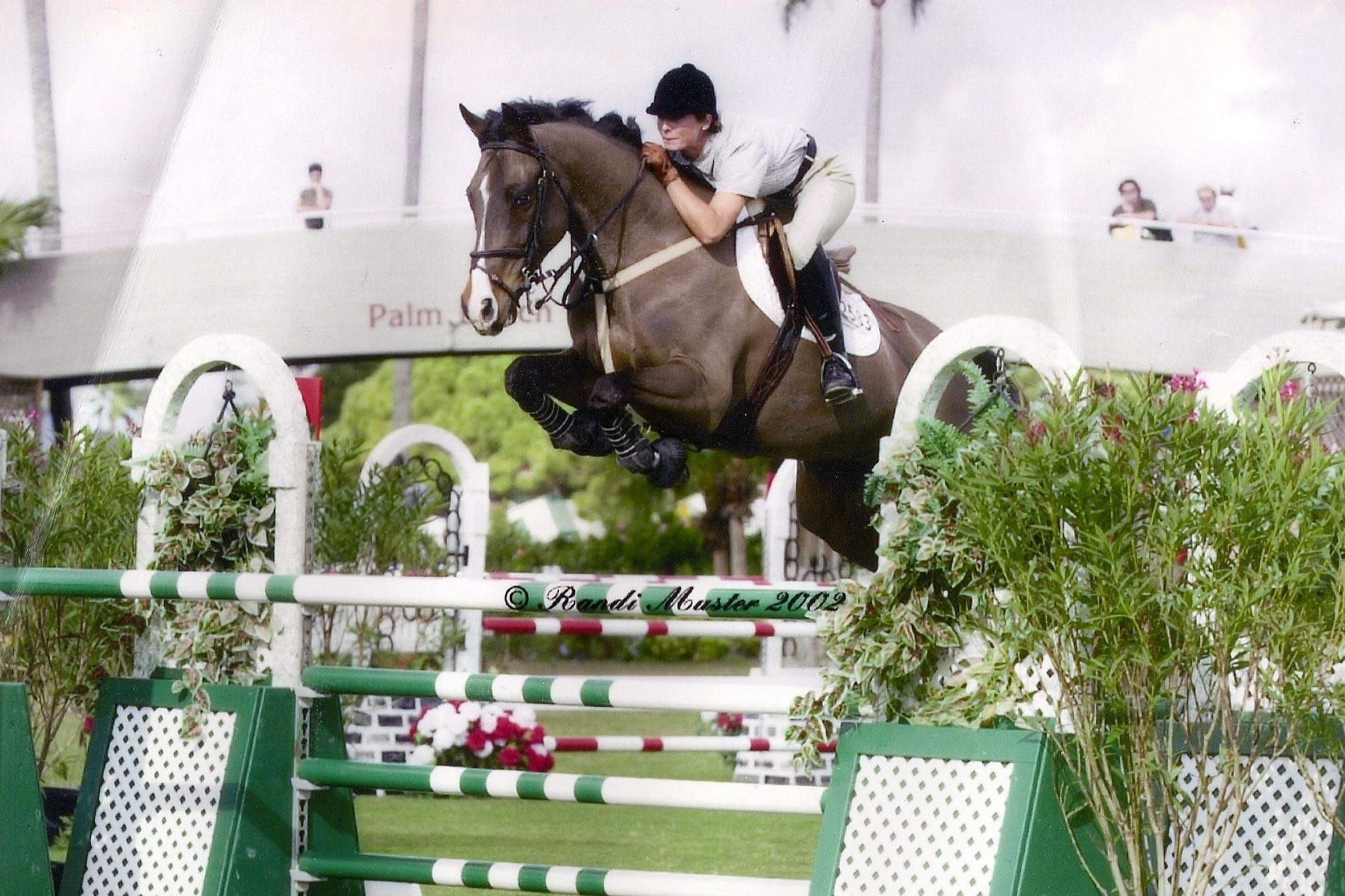 Magdalena Regårdh hoppar en 7-åring på 1,40-höjder i en tävling i Wellington under tiden hon arbetade hos Eric Lamaze.