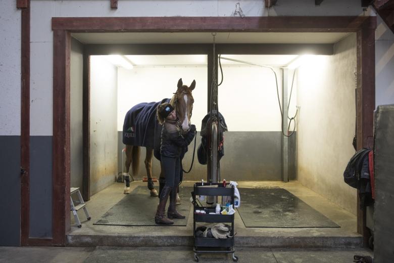 Irma Karlsson I Stallet Foto: Lotta Brundin Gyllensten/ Lottapictures
