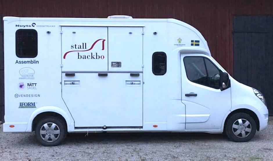 Hästlastbil stulen från gårdsplan – funnen i Malmö