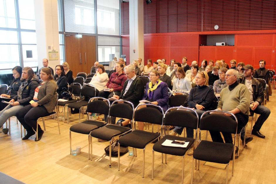 Hundratals isolerade efter avelskonferens – SWB kör medlemsmöte som planerat