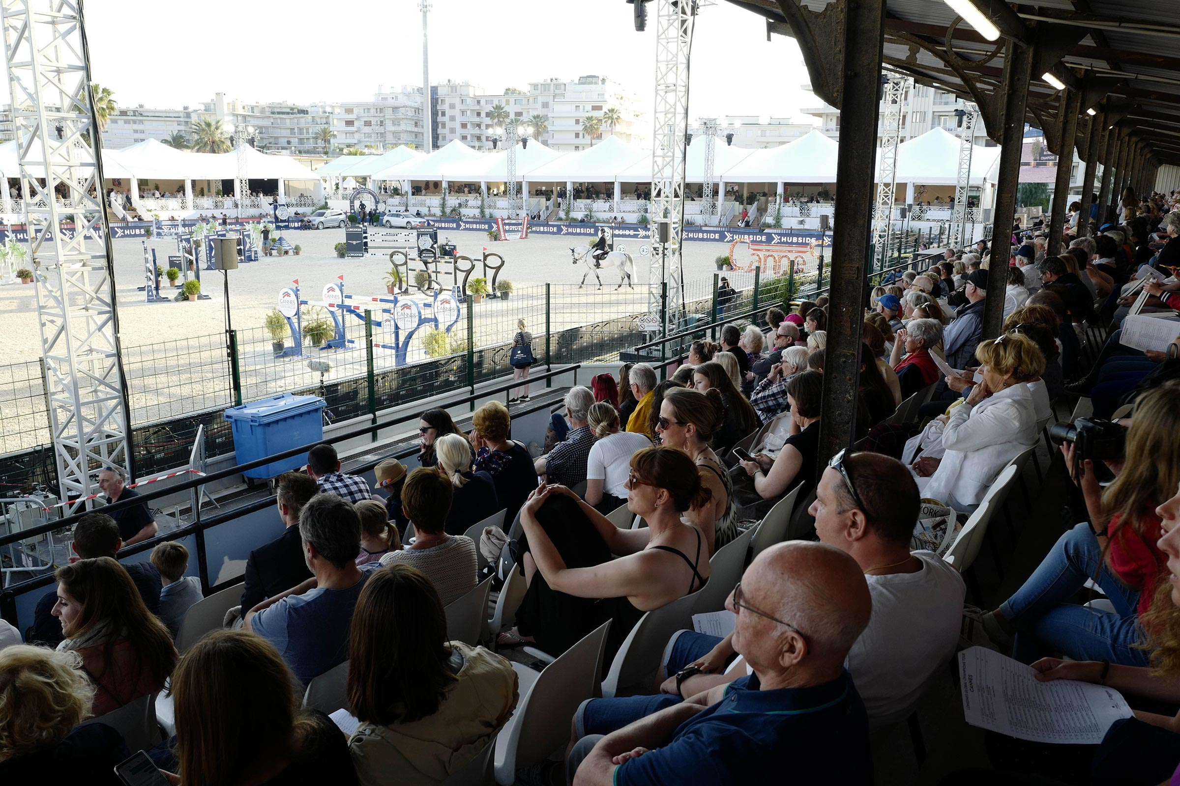 Spectators enjoy the show ph.Stefano Grasso/LGCT CANNES 2019 DOWNLOAD
