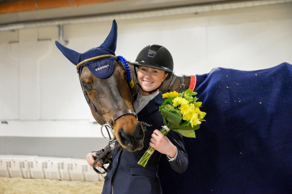 Stina tog efterlängtad seger bland Young Riders