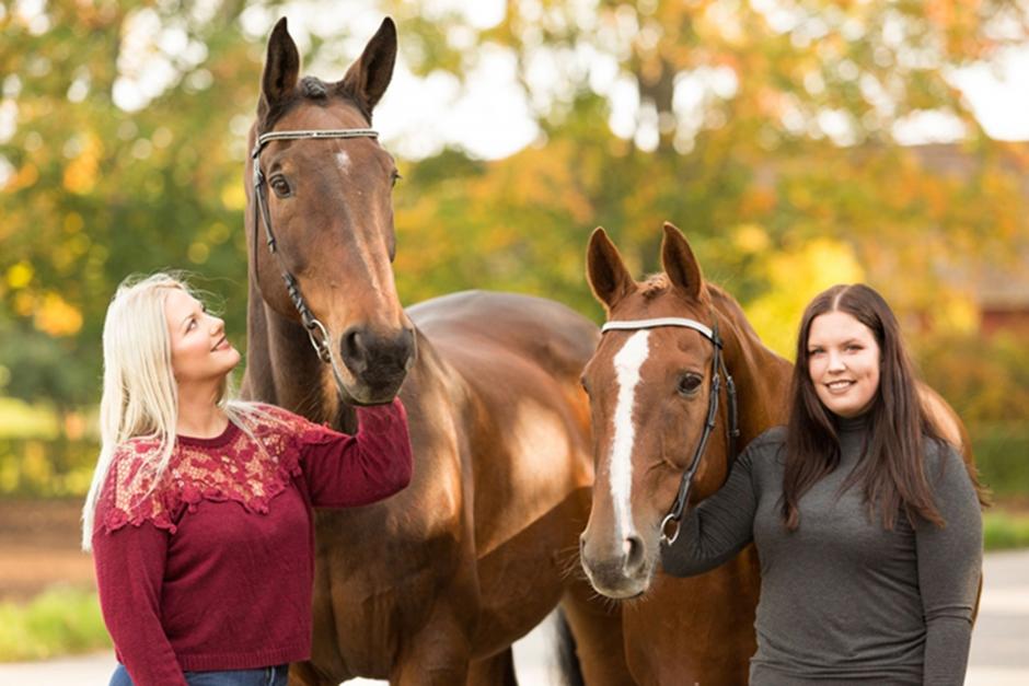 Youtube-systrarna startar hästpodd