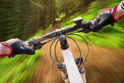 Cyklist döms för misshandel av ryttare