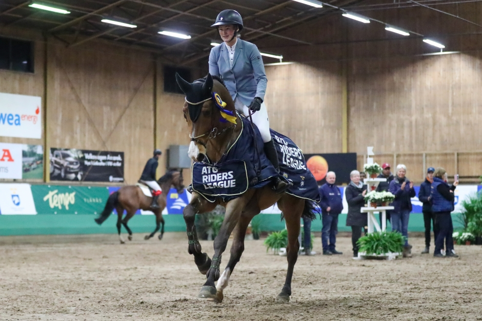 Dubbelt Emanuelsson i Riders League-premiären