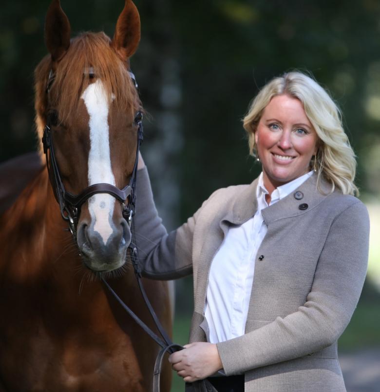 Jenny Stråhle Ridesum Med Häst