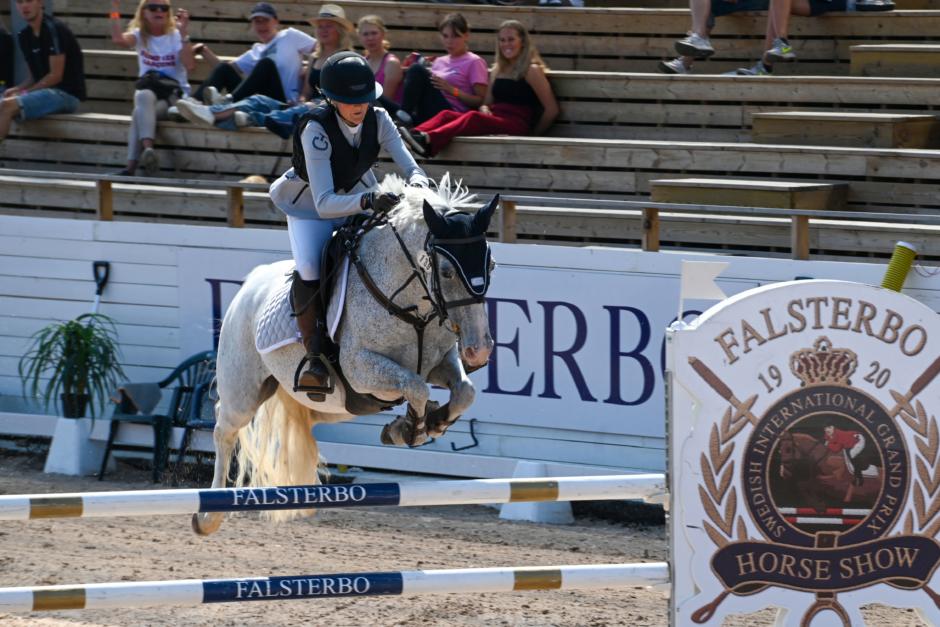 Tuff finalbana för C-ponnyerna – Claudia Göpert i topp
