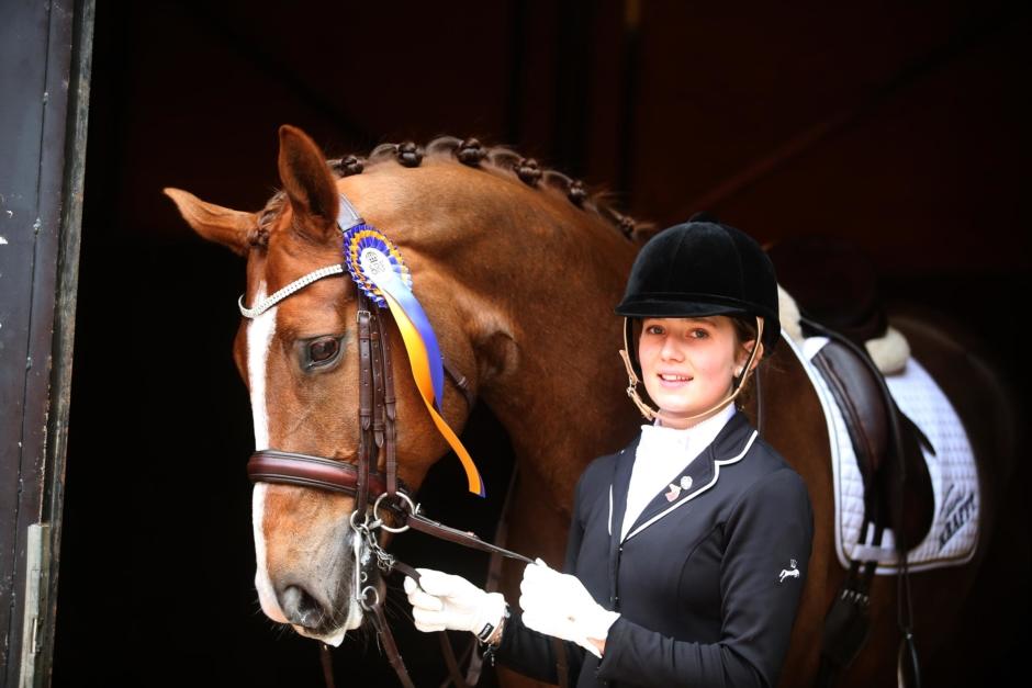Kolla klippet: Luciadans med häst