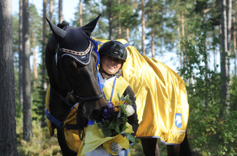 Hästvloggen, Emilia Bergåkra, Foto Josefin Björklund