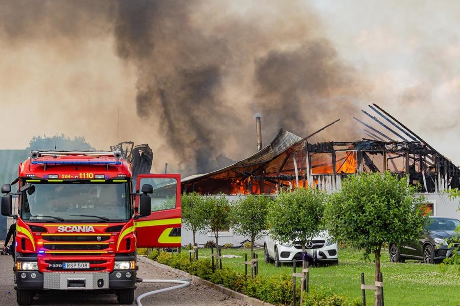 Släckningen av branden på Gunnarlunda avslutad