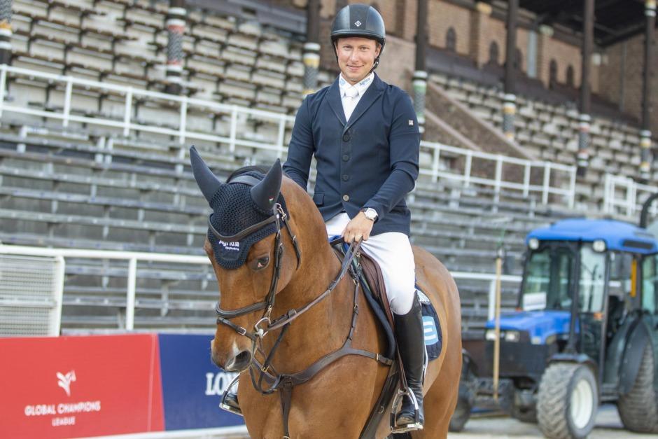 Douglas Lindelöw lämnar Sverige
