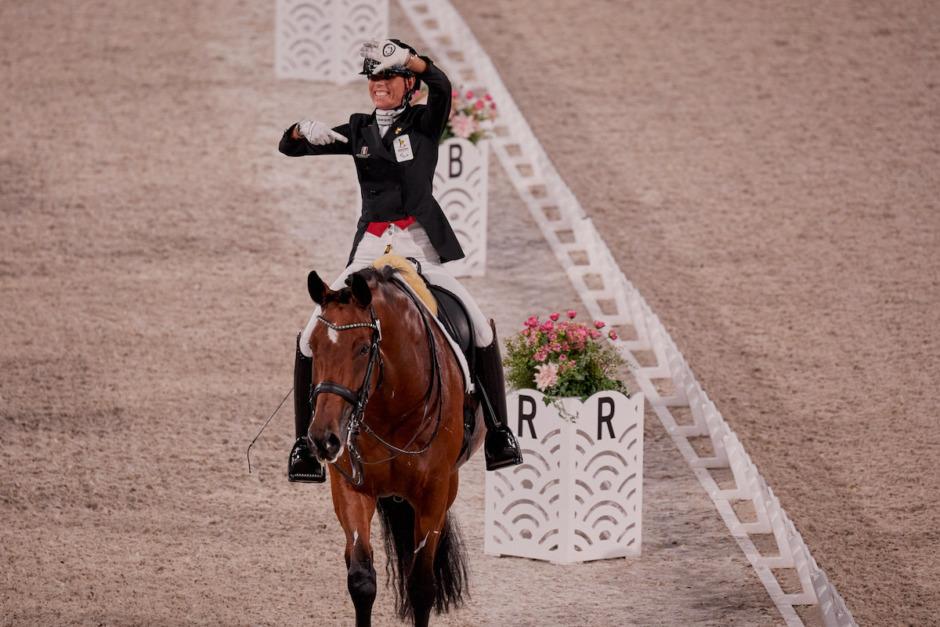 Första paramedaljerna utdelade – två svenskar till küren