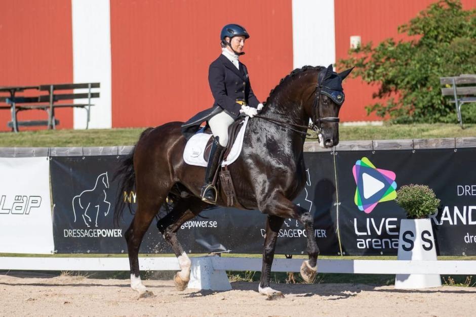 Nina Karlsson lördagens vinnare på Flyinge