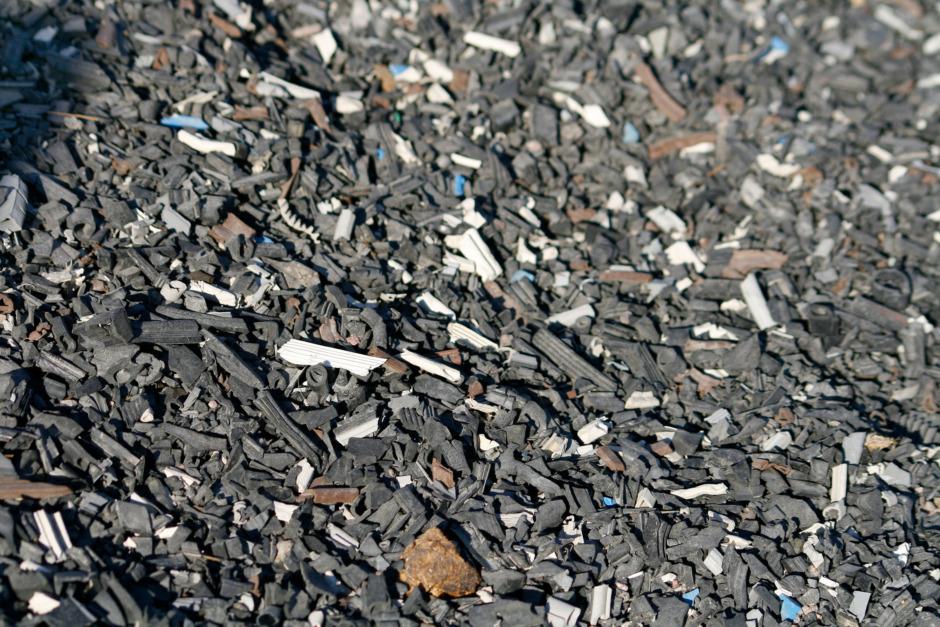 Hårdare regler kring gummiklipp på ridbanor