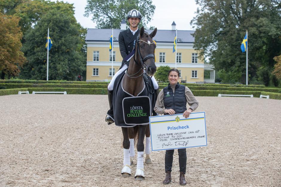Carl Hedin och Elin Mattsson toppade Lövsta Future Challenge Dressage