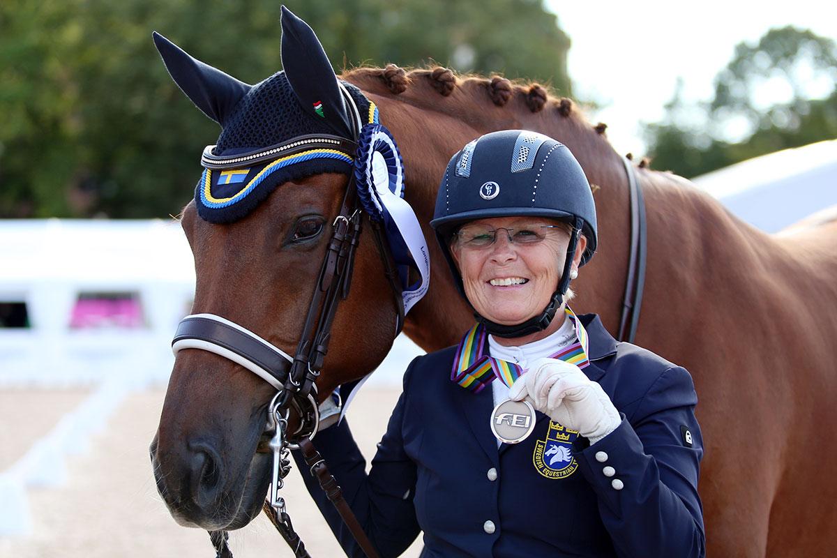 Louise Etzner Jakobsson och Zernard med EM-bronset.