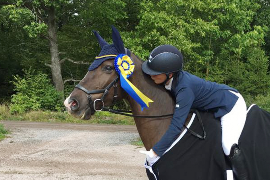 Svenska ponnyryttare tog täten i NM