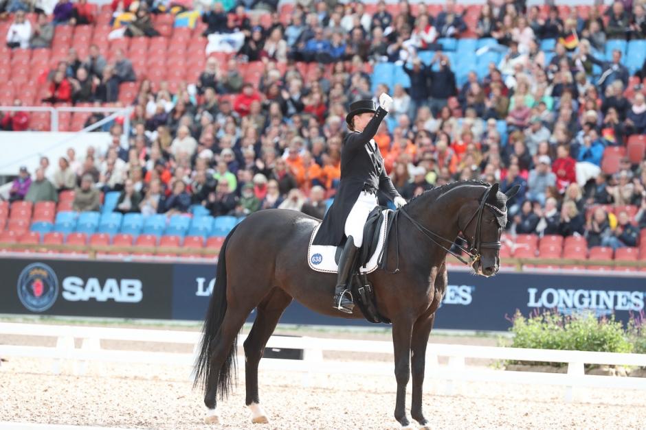 Guld till Isabell Werth, tre svenskar till final