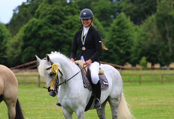 Sagan om EM-ponnyn Bonnie Bee
