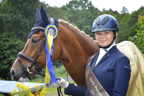 Många vinnare i ponnydressyr
