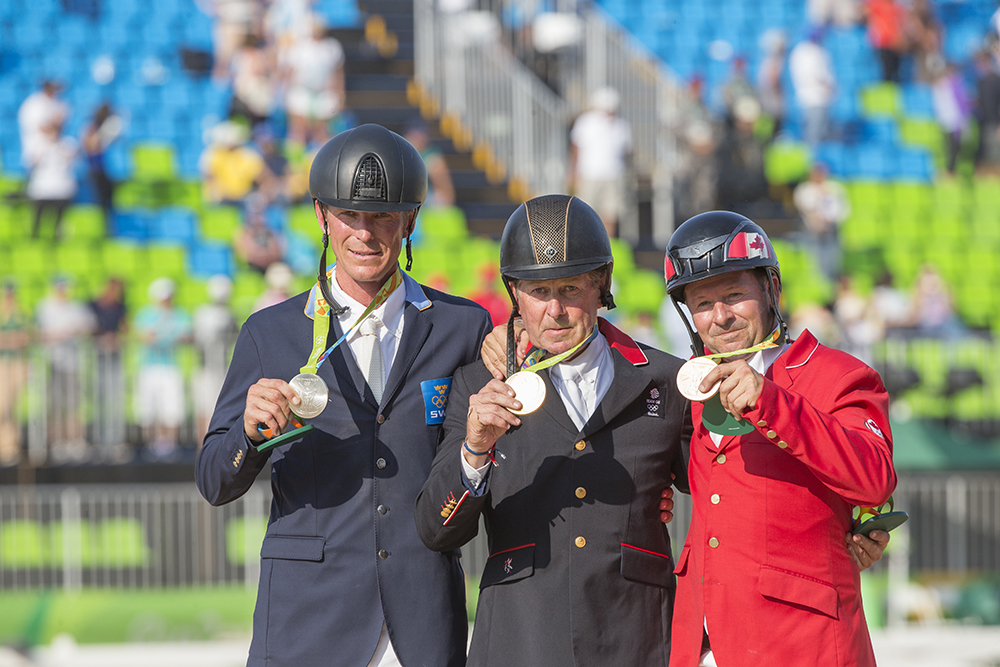 Peder Fredricson, Nick Skelton och Eric Lamaze på prispallen i Rio de Janeiro.