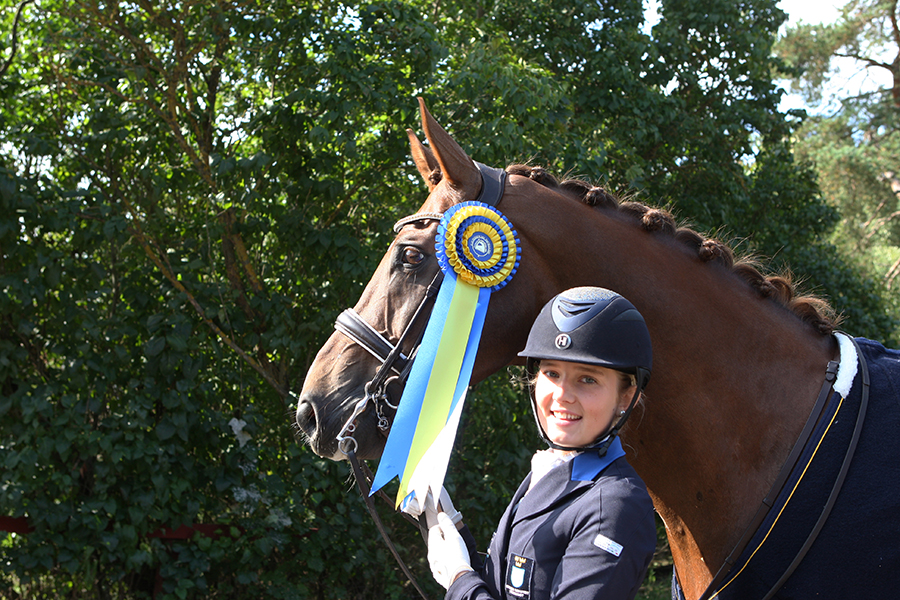 Emelie Aldenfalk med Winton vann lilla rundans sista klass.
