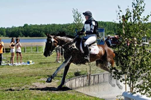 Hanna Berg rider igen