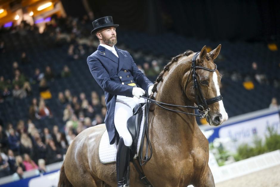 Sandgaard och Markne ger bort sin segerhäst