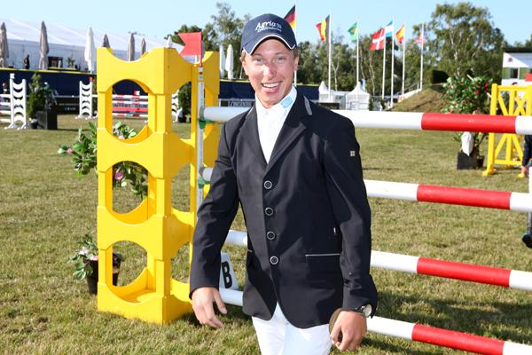 Ny häst till Douglas Lindelöw
